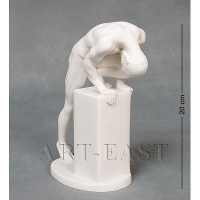 """Статуэтка """"Атлет"""" 19x9x20 см., фарфор Бисквит, Гонконг"""
