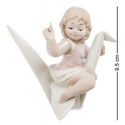 """Фигурка """"Девочка"""" 9,5 см., фарфор Pavone, Италия"""