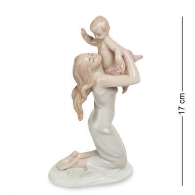 """Фигурка """"Девушка с ребенком"""", 10x7x17 см., фарфор Pavone, Италия"""
