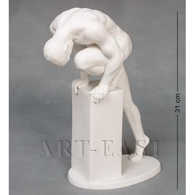"""Статуэтка """"Атлет"""" 23x11x31 см., фарфор Бисквит, Гонконг"""
